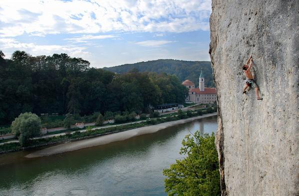 WelcomeToMotastan.jpg | Donaudurchbruch